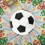 Les drôles de pratiques salariales des clubs de foot